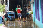 クレット島が1ヶ月以上に渡り洪水被害中のサムネイル
