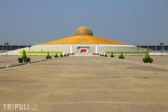2/25  不思議な宗教施設 タンマガーイ寺院を見に行きたい!  半日ツアーのサムネイル画像