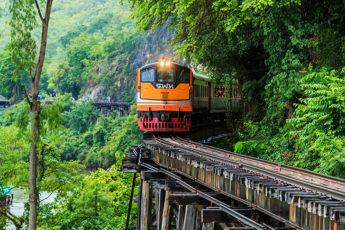 【プライベートツアー】絶壁のそばを通る鉄道「アルヒル桟道橋」や「クウェー川鉄橋」を歩こう!のツアー画像