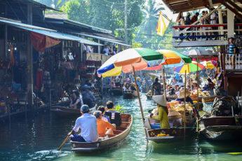【プライベートボート!】ダムヌンサドゥアック水上マーケット+線路市場 <<プライベートツアー/ホテル送迎>>のサムネイル画像