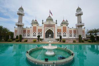 タイ深南部パッタニー県   タイでもっとも美しいモスクが建つ地のサムネイル画像