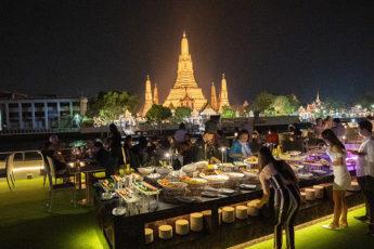 バンコクの格安チャオプラヤーディナークルーズ  「アランガクルーズ」へ、初タイの母親と乗船したお話し。のサムネイル画像