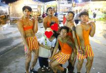 フアムムマーケットの名所!ガチムチが踊りまくる貝料理専門店『サタニーミーホイ』
